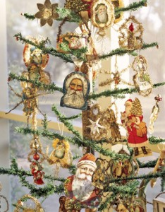 Christmas-Tree-Antique-Ornaments-HTOURS1206-de-22528090