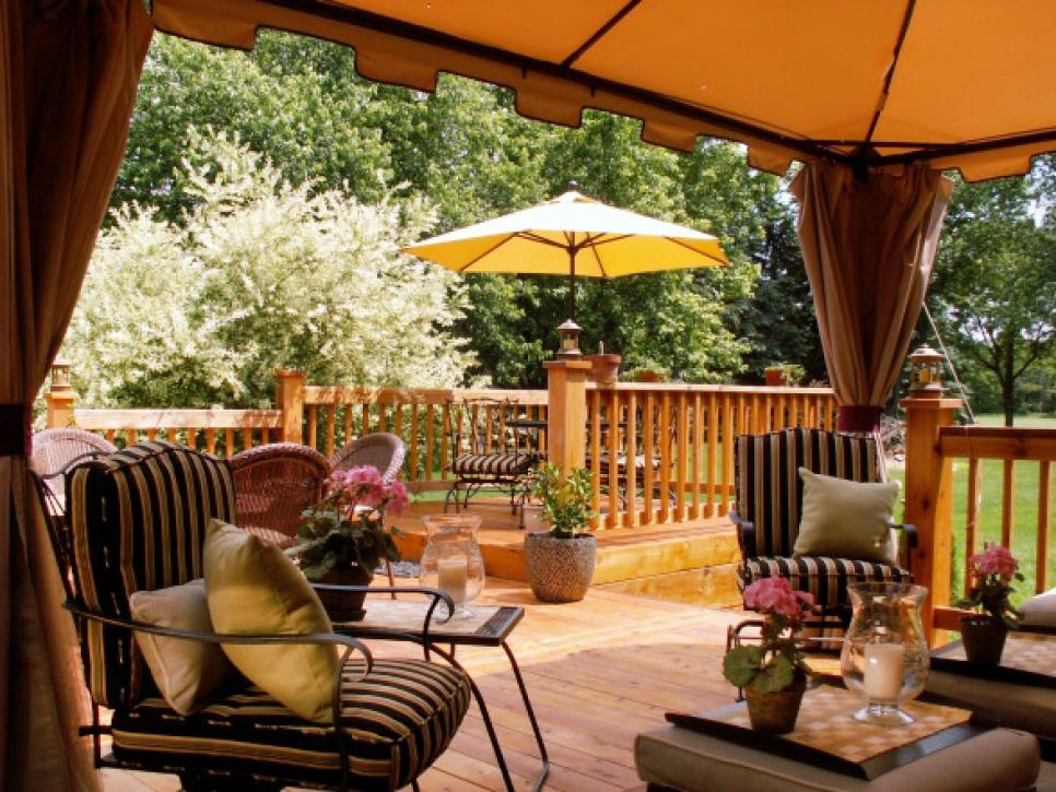 Going from Summer to Fall in Your Outdoor Spaces